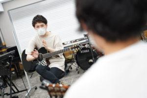 【甲陽卒業生】井草聖二さんによるギターセミナー開講 🎸🎶